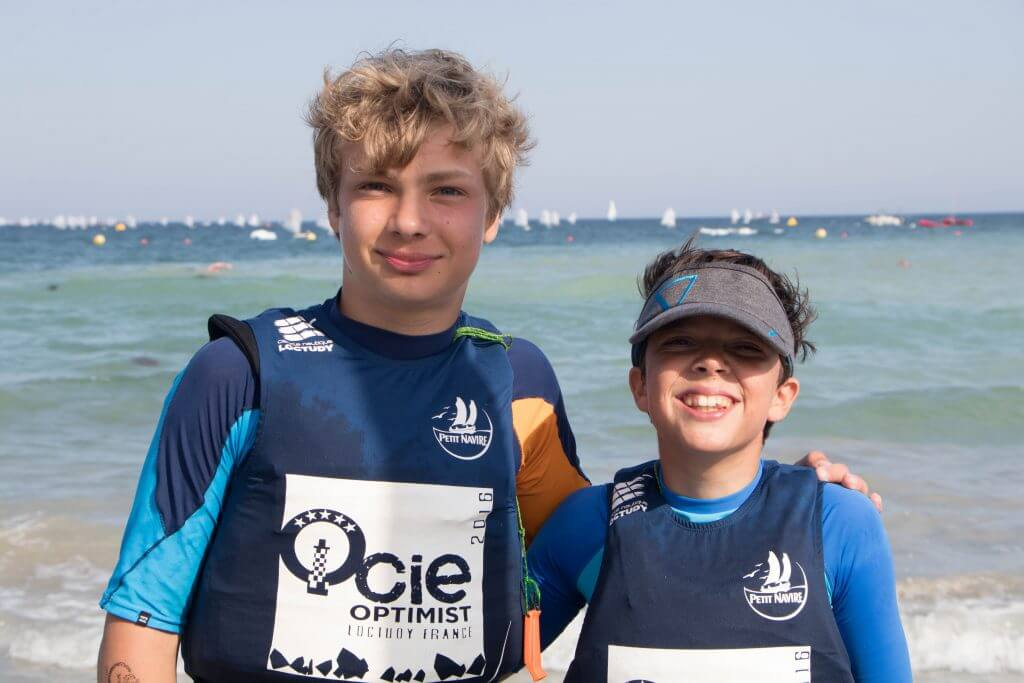 Amateur club ouse sailing